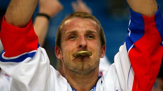 Hokejbaloví mistři světa zlato opravdu ochutnali.