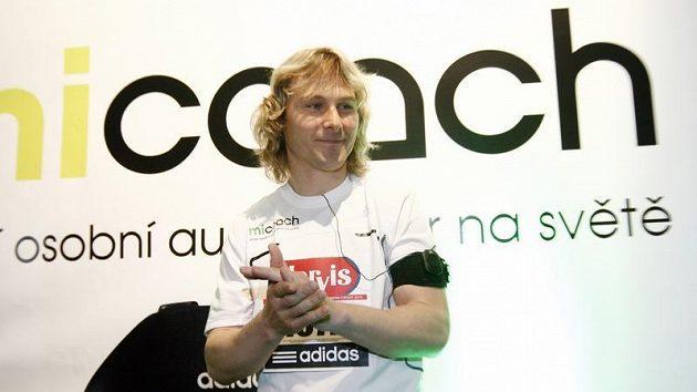 Pavel Nedvěd v Praze představil novinku, osobního audiotrenéra.