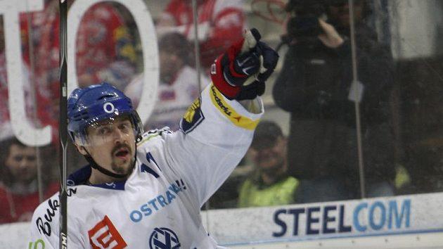 Radost Viktora Ujčíka z třetího gólu Vítkovic, kterým pěčetil výhru nad Slávií i postup do finále.