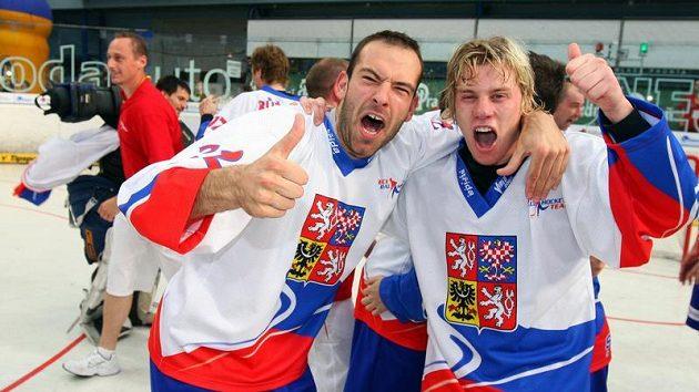 Jsme jedničky, radují se hokejbaloví mistři světa.