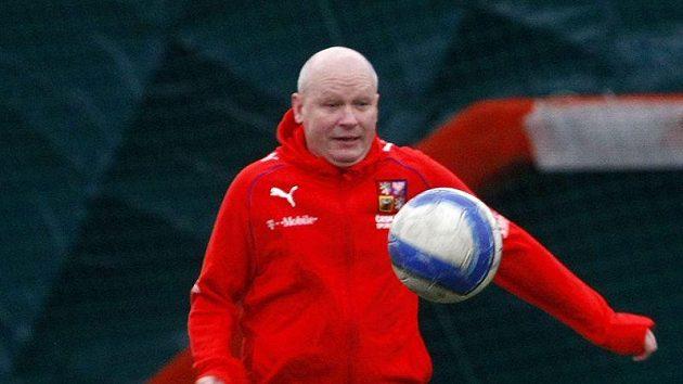 Ivan Hašek ještě pořád s míčem válí, což potvrdil jako host Klubu sportovních novinářů.