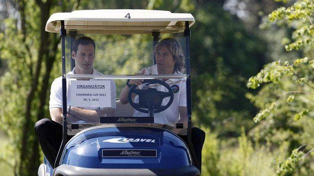 Petr Čech (vlevo) a Pavel Nedvěd na golfu