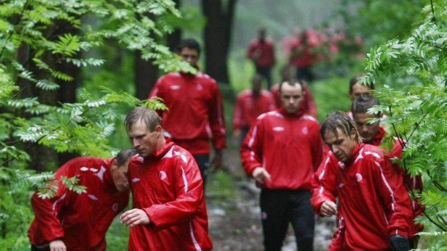 Fotbalisté Slavie během přípravy na Špindlerově Mlýně