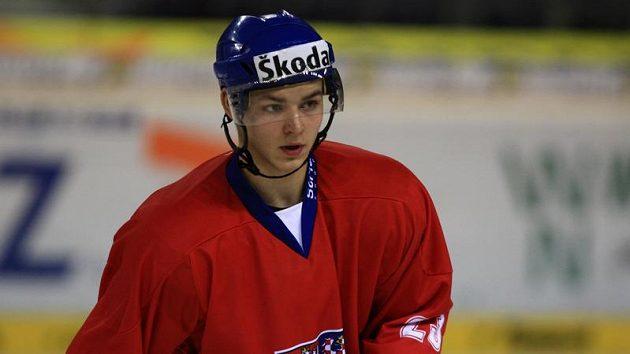 Útočník hokejové dvacítky Jakub Orsava