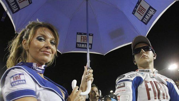 Soustředění Rossiho týmového kolegy Jorge Lorenza před katarským startem.