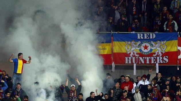 Fanoušci Sparty během derby ve čtvrtfinále Ondrášovka Cupu.