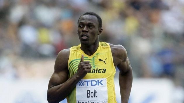 Jamajčan Usain Bolt během rozběhu na 100 metrů na MS v Berlíně