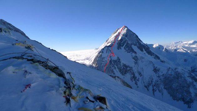 Trasa výstupu severozápadní stěnou Gasherbrumu I.