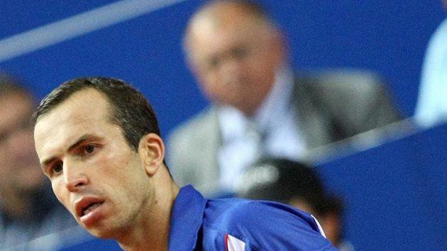 Radek Štěpánek během utkání Davisova poháru proti Ivu Karlovičovi.
