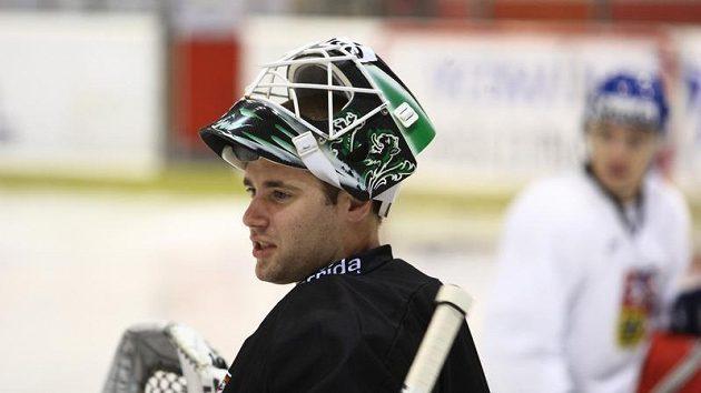 Brankář Marek Schwarz na tréninku hokejové reprezentace