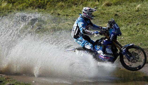Vicent Guidani projíždí jednou z řek na argentinské části Rallye Dakar.