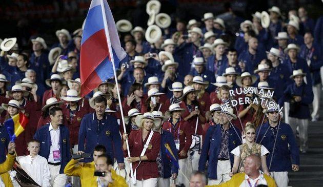 Maria Šarapovová nesla vlajku Ruska na slavnostním zahájení OH