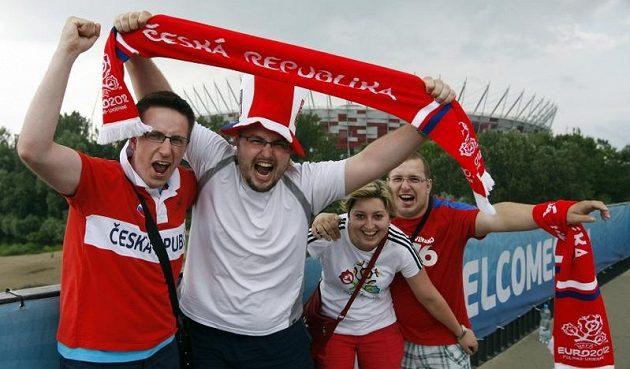 Čestí fanoušci ve Varšavě před začátkem čtvrtfinále proti Portugalsku
