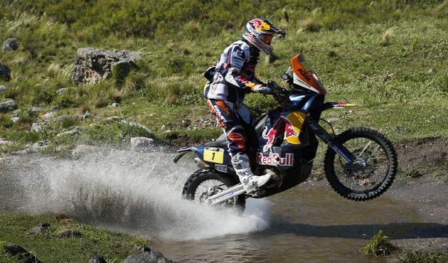 Jezdec KTM Cyril Després na trati úterní etapy Rallye Dakar, v níž se propracoval do průběžného vedení.