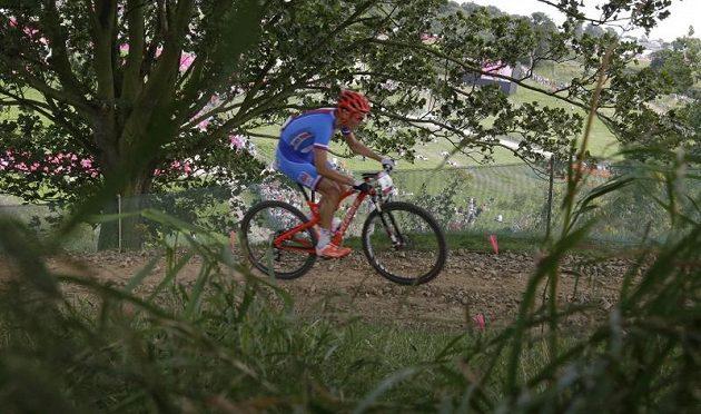 Biker Jaroslav Kulhavý během olympijského závodu cross country
