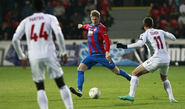 Plzeňský Václav Procházka v utkání proti Hapoelu Tel Aviv.