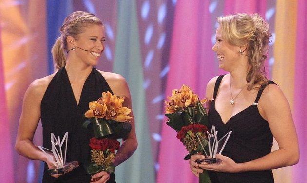 Tenistky Andrea Hlaváčková (vlevo) a Lucie Hradecká obsadily v anketě Sportovec roku 2012 šesté místo.