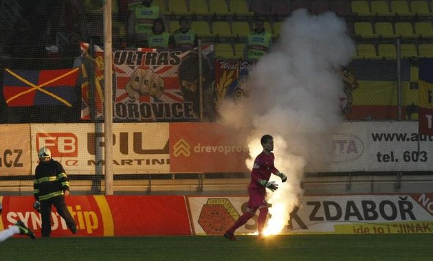 Sparťanský brankář Tomáš Vaclík v utkání v Příbrami.