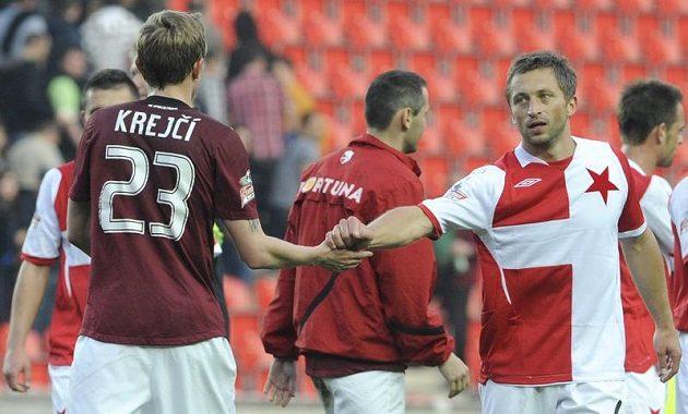 Spokojeni jsou nakonec oba - sparťanský Ladislav Krejčí a slávistický David Hubáček po derby.