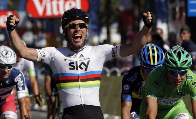 Mark Cavendish se během Tour potýkal i s pádem, který zavinil jeden z fanoušků. Brit však vyhrál tři etapy včetně té závěrečné. Celkově už Cavendish opanoval 23 etap.