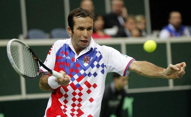 Radek Štěpánek v úvodním duelu finále Davisova poháru se Španělem Davidem Ferrerem