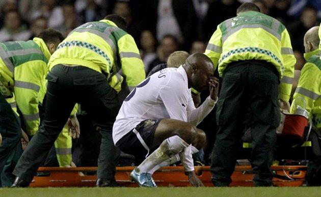 Otřesený William Gallas z Tottenhamu po kolapsu Fabrice Muamby.
