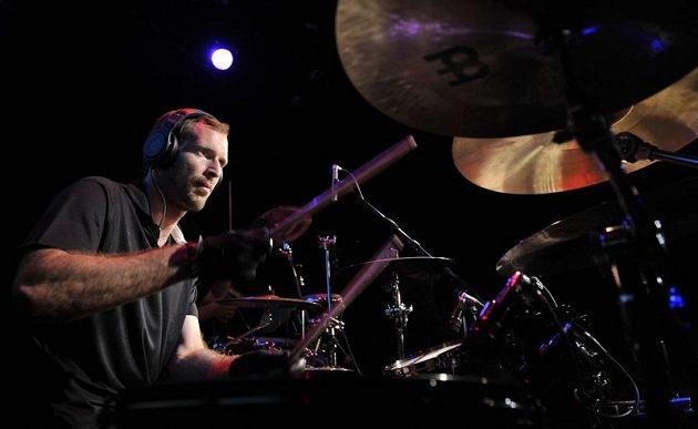 Petr Čech zahrál na bicí ve Vratislavi