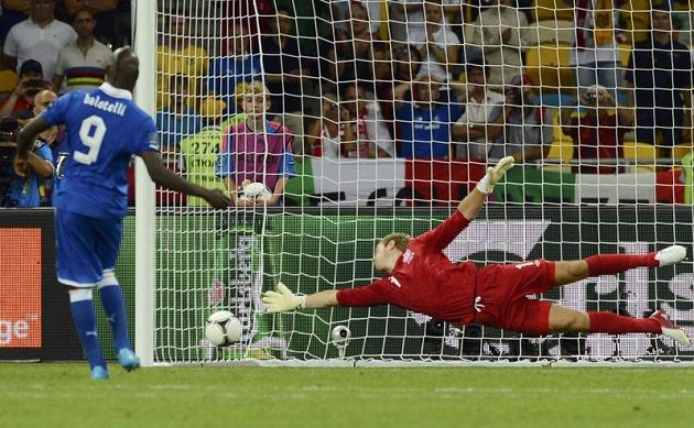Mario Balotelli svoji penaltu proměnil