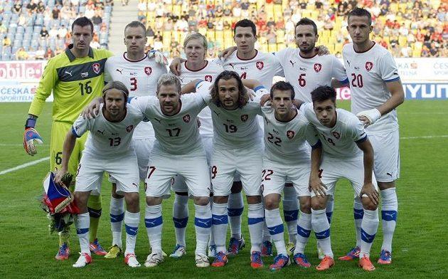 Základní sestava českých fotbalistů před přátelským zápasem s Finskem.