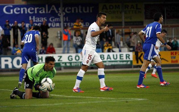 Milan Baroš během zápasu s Izraelem.