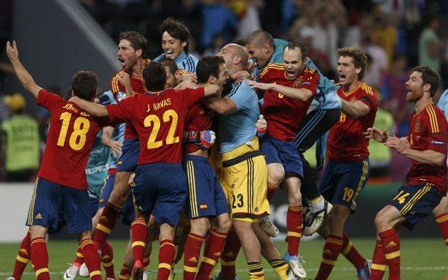 Španělské nadšení! Obhájci titulu postupují po penaltovém rozstřelu proti Portugalsku do nedělního finále Eura