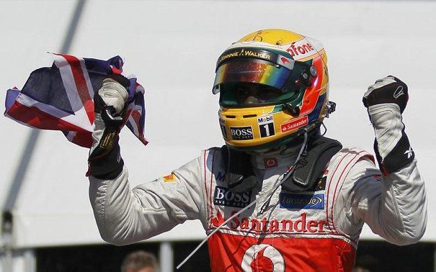 Brit Lewis Hamilton ze stáje McLaren se při Velké ceně Kanady dočkal prvního triumfu v letošním ročníku světového šampionátu formule 1