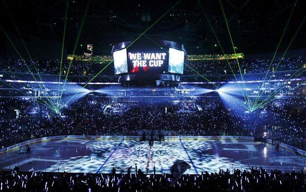 Laserová show před šestým finále Stanley Cupu v Los Angeles