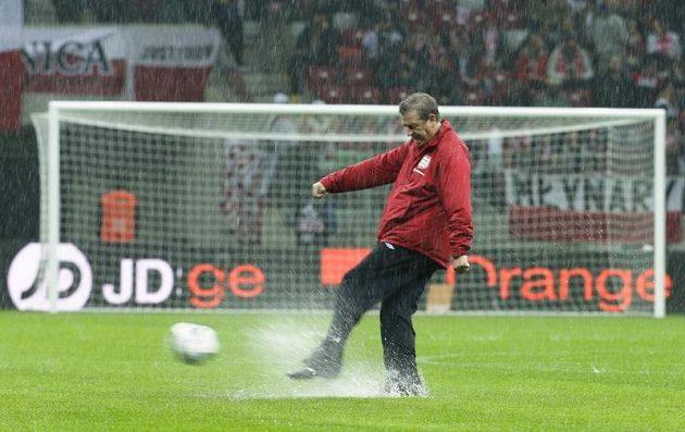Hřiště si vyzkoušel také trenér Angličanů Roy Hodgson.