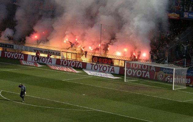 Fanoušci Sparty slaví vítězství nad Slavií.