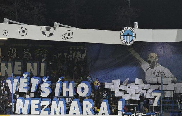 Fanoušci Slovanu Liberec se loučí s Janem Nezmarem.