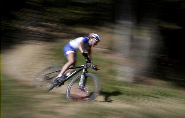Francouzka Julie Bressetová si jede pro olympijský triumf v cross country.