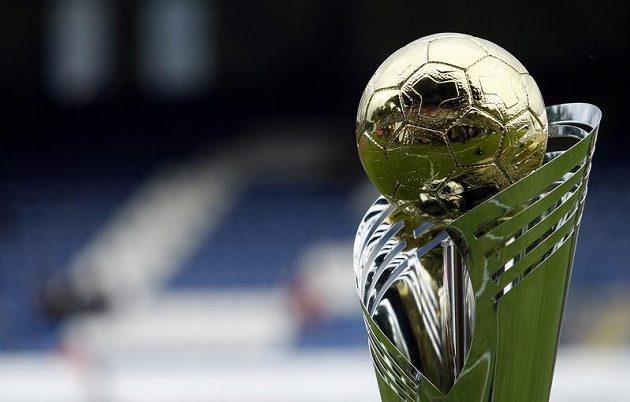 Superpohár, který získali v roce 2012 fotbalisté Olomouce.