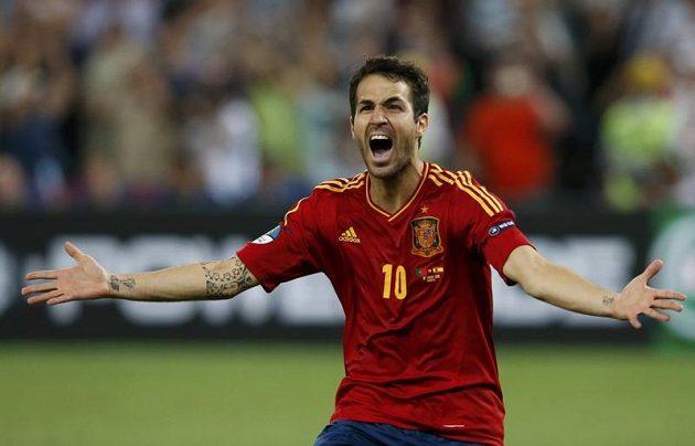 Radost Cesca Fábregase poté, co proměněnou penaltou proti Portugalsku posunul španělské obhájce titulu do finále ME