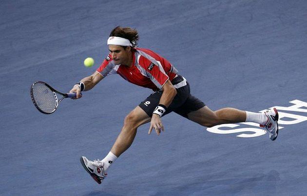 Španělský tenista David Ferrer na Turnaji mistrů během zápasu s Juanem Martínem Del Potrem.