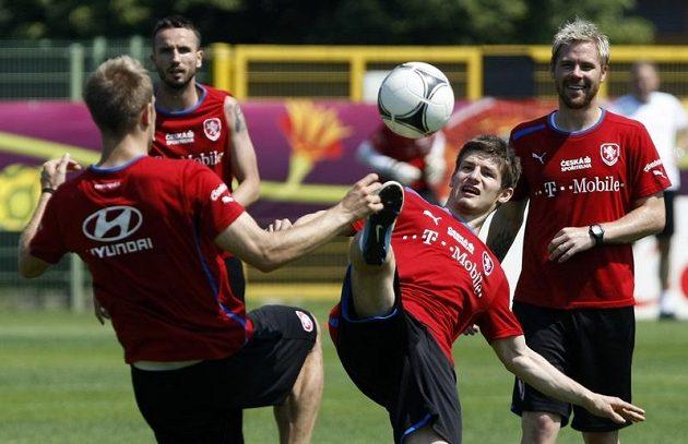 David Limberský a Václav Pilař na tréninku fotbalové reprezentace v polské Vratislavi