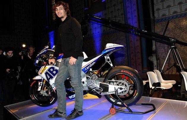 Na nový motocykl bude český závodník Karel Abraham hodně spoléhat.