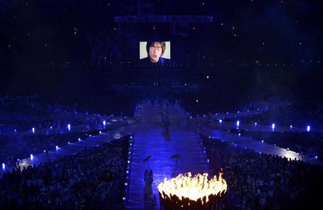 Při slavnostním zakončení londýnské olympiády nemohl chybět hit Johna Lennona Imagine.