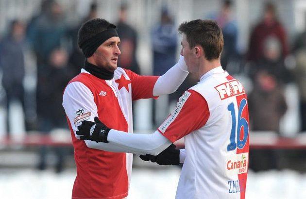 Martin Fenin (vlevo) a Jaromír Zmrhal během utkání Tipsport ligy proti Jablonci.
