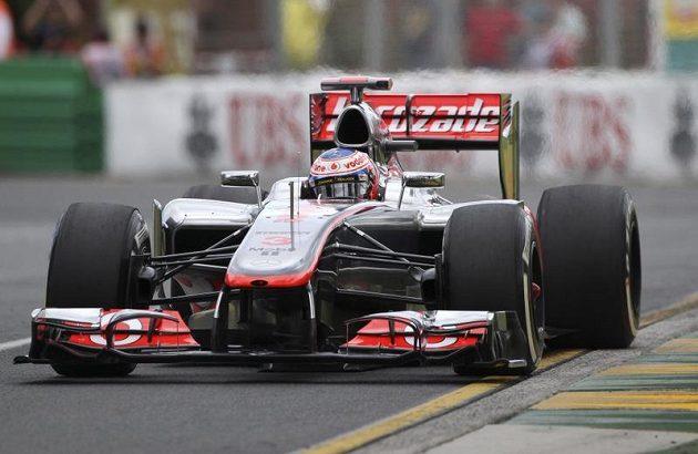 Britský pilot Jenson Button ze stáje McLaren během tréninku v Melbourne.