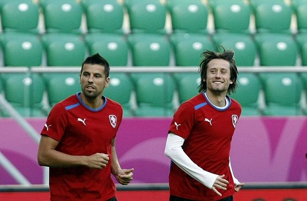 Milan Baroš (vlevo) a Tomáš Rosický na tréninku fotbalové reprezentace