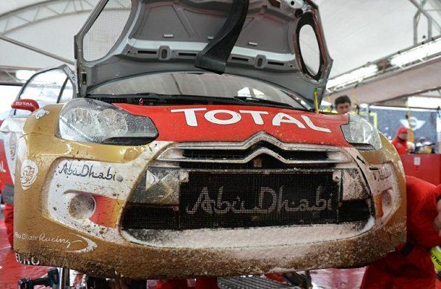 Sněhu si během Rallye Monte Carlo 2013 užili dostatečně nejen závodnici na trati, ale i mechanici v servisu při údržbě vozů.