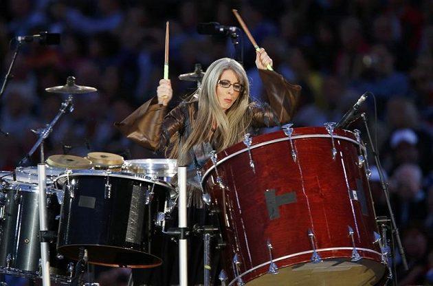 Bubenice Evelyn Glennieová během zahajovacího ceremoniálu her v Londýně.