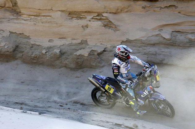 V kategorii motocyklů se vysoko v průběžném pořadí drží Francouz David Casteu.