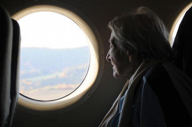 Dana Zátopková si z okénka vrtulníku prohlédla Slovácko.